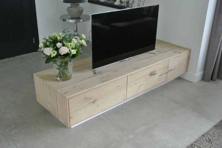 TV meubel van eikenbalkenfineer | Menken Meubelmakers