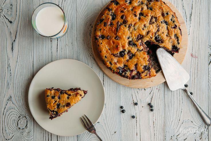 Быстрый йогуртовый пирог с ягодами