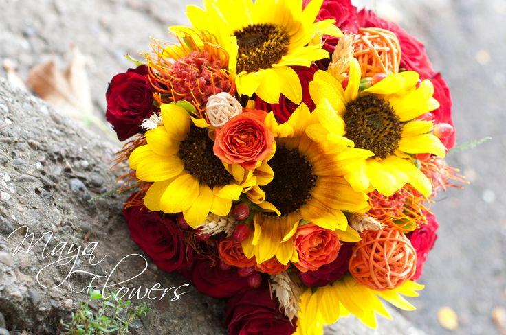 sunflower wedding bouquet - buchet mireasa soarea floarelui - rosu intens - orange (www.maya-flowers.blogspot.ro)