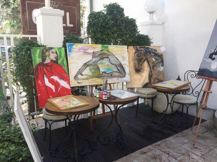 Ce avem noi aici?  Picturi by @ginamaican  așteptând sa fie filmate. 😎🎨🔝  #paintings #contactme📲💌 #ginamaicanartstyle🎨 #vorbestelumea #protv #interviudeartist #art #artist