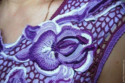 Купить или заказать Вязаное платье Ирисы в интернет-магазине на Ярмарке Мастеров. Оригинальное летнее платье связанное в технике ирландские кружева с подкладом из хлопкового батиста.Модная в этом сезоне юбка солнце-клёш, авторские цветы в виде фотопринта делают платье очень актуальным.Связано на заказ. образец 48го размера. На заказ возможны любые вариации.Высокая цена из-за необъятной , трудоемкой юбки, с прямой юбкой цена в два раза…