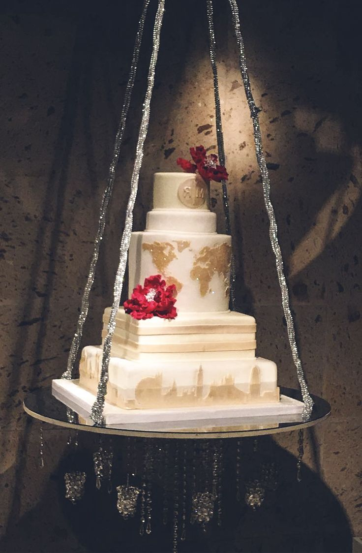 suspended wedding cake designs 1000 ideas about suspended wedding cake on 20664