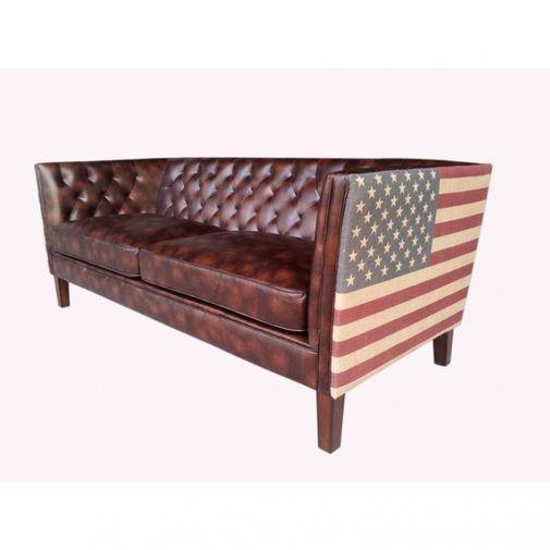Underbar soffa i brun bonded leather med US flagga i jute på sidorna av soffan....