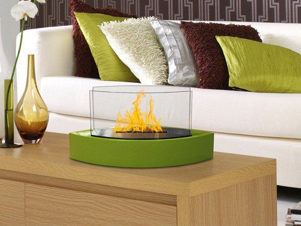 The The Grommet team discovers the Anywhere Fireplace; a contemporary stainless steel wall mount fireplace or fireplace pit that goes anywhere. Burns bio-ethanol fuel.