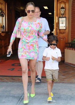 25 Best Ideas About Jennifer Lopez Green Dress On Pinterest Green Pants Fashion Women 39 S Wide