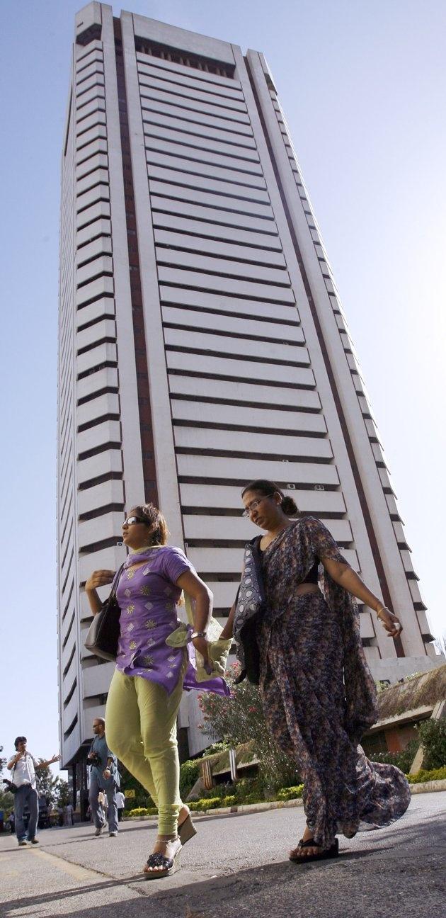 The Mumbai World Trade Centre(45 floors)
