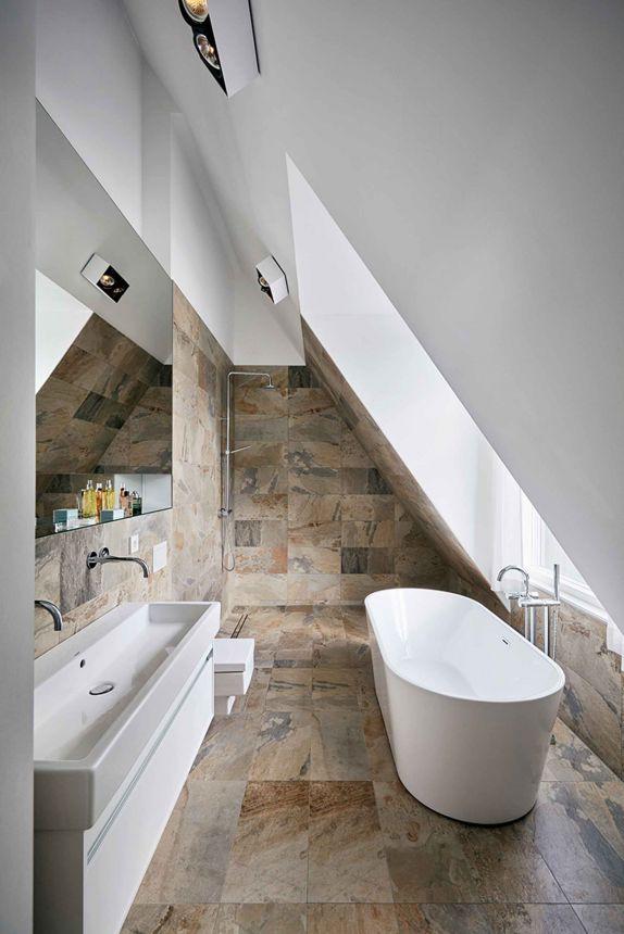Projekt Haus T In Husum Gartner Internationale Mobel Badezimmer Dachschrage Altes Haus Renovieren Badezimmer Dachgeschoss