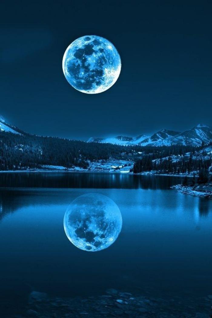 la pleine lune, jolie pleine lune au-dessus d'un lac