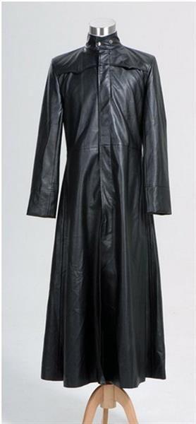Черные кожаные пальто