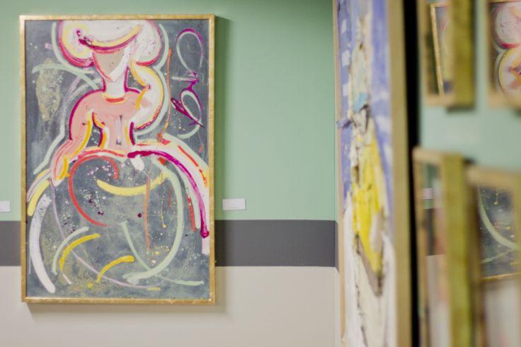 Menina realizada en óleo sobre madera de 80 x 160 cm