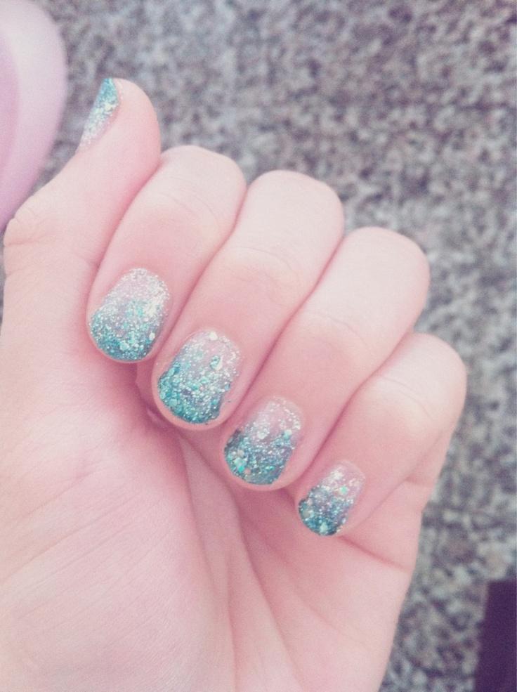 Blue Nail Polish Manicure Designs: Light Blue Nails