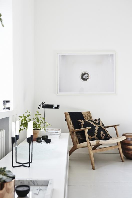 Un appartement brun, blanc et noir à Helsinki | PLANETE DECO a homes world