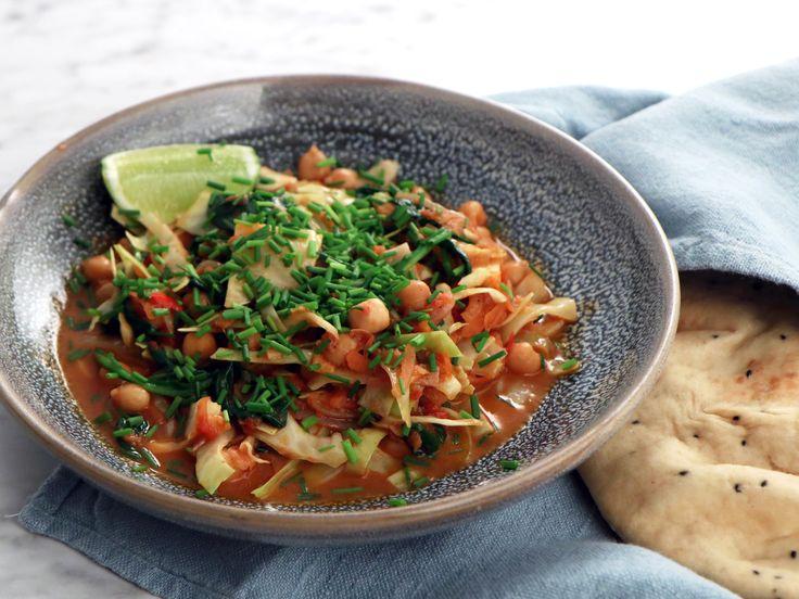 Coconut bean curry med vitkål och morötter | Recept från Köket.se