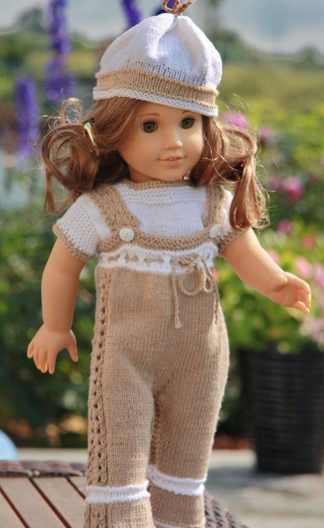 Daniela in her practical summer clothes knitted in soft cotton yarn. Design Målfrid Gausel