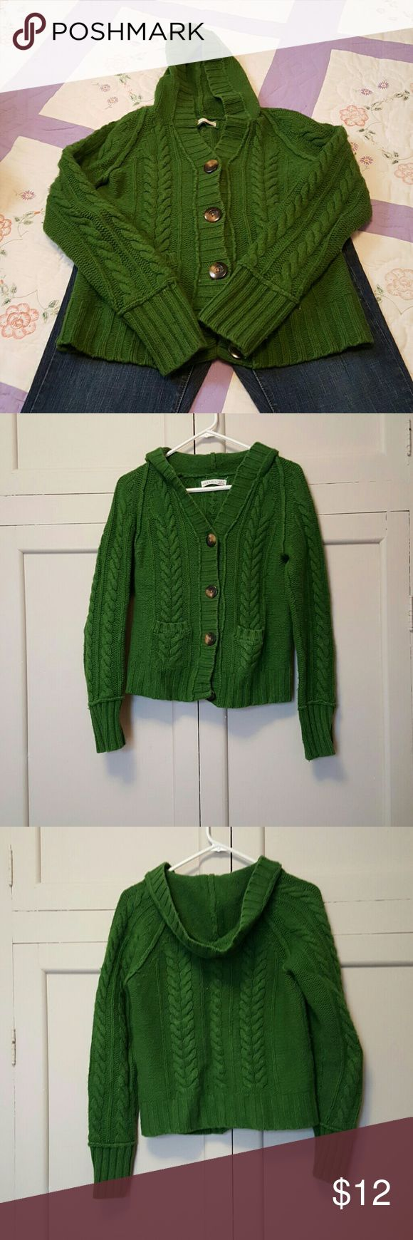 Old navy sweater Great sweater jacket in grean color. Nice and heavy sweater. I …