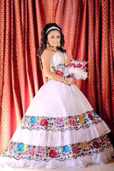 Novia Bordado, Vestido De, Quinseañeras Estilo Mexicano, Trajes Mexicanos, Tradicionales Mexicanos, Vestidos De Novias, Boda Mexicana, Ser Mexicana, Xv Años