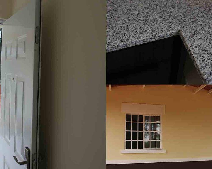 Puerta multilock, sobre de granito y ventanas corredizas con verjas