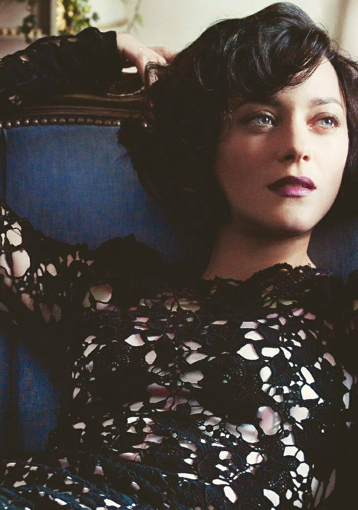Marion Cotillard》Such a compelling face, you just want to see more of her...
