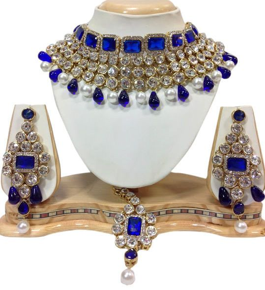 Awesome Indian Bollywood Blue Stone Wedding Wear Pearls Necklace Jewelry Set #natural_gems15 #GoldPlated