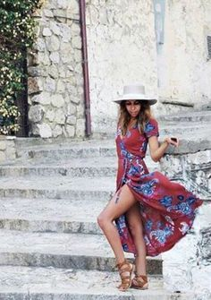 Holidays are approaching andwe are all looking for affordable trendy clothing websites to shop for cuteand stylish fashion. Are you looking for theperfect chunkysweater, distressed jeanor maxidress? These10clothing websites have tons of...