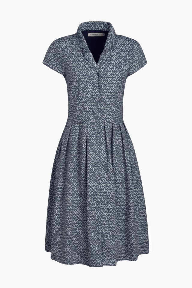 Retro fit and flare tea dress. In Seasalt chambray with a sweet anchor print, V-neck and button up front. Classically nautical.