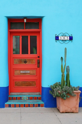 .Red Doors, Colors Combos, Vivid Colours, Color Combos, Red Red, Hot Turquoise, Front Doors, Knock Knock