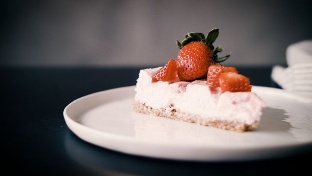 Tasty Health: Strawberry Champagne Protein Cheesecake