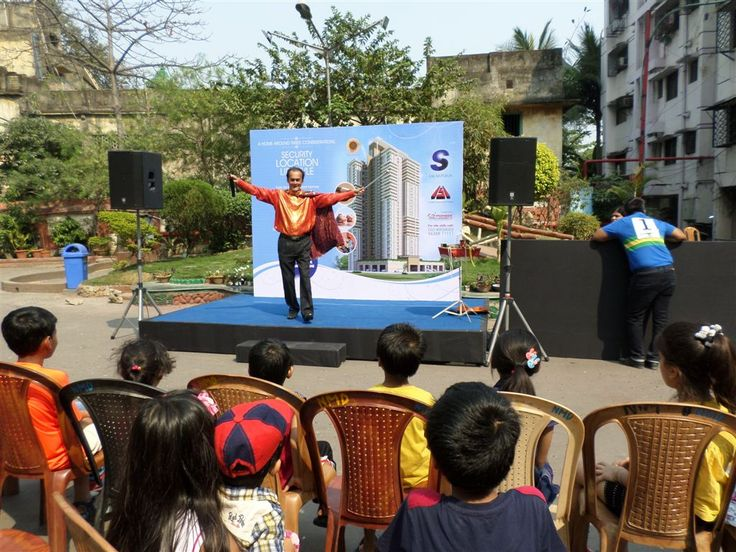 Luxuria Heights Fiesta - Interactive event for Salarpuria Group - Illusionist and Magician keeping the children spellbound smile emoticon