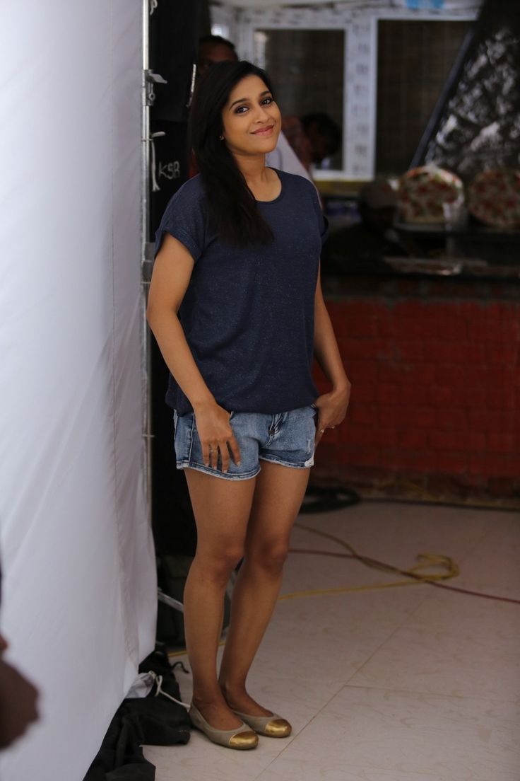 Tv Anchor Rashmi Gautam Legs Thighs Show In Mini Blue -9407