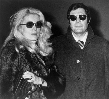 Catherine Deneuve and Marcello Mastroianni  Sunglasses#Marcello_Mastroianni#Catherine _Deneuve
