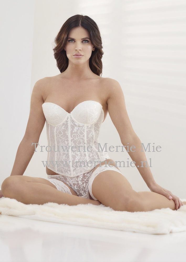 Lingerie For The Bride 32