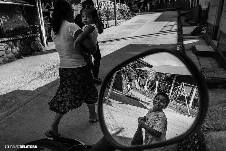 Reflection in a rearview  #josafatdelatoba #cabophotographer #landscapephotography #Guatemala #Livingston #reflection