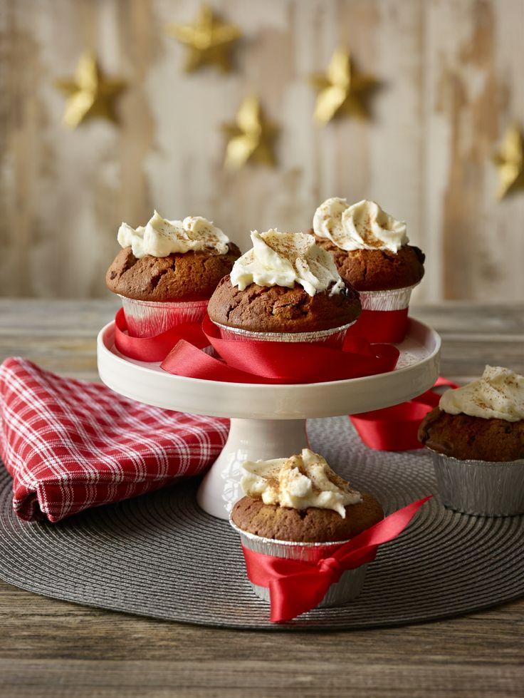 Pyöräytä jouluisia muffineja ja anna mausteisten makujen viedä mennessään! Helpompaa ohjetta saat hakea: http://www.dansukker.fi/fi/resepteja/jouluiset-muffinit.aspx #muffinit #muffinssit #ohje #resepti #joululeivonnaiset