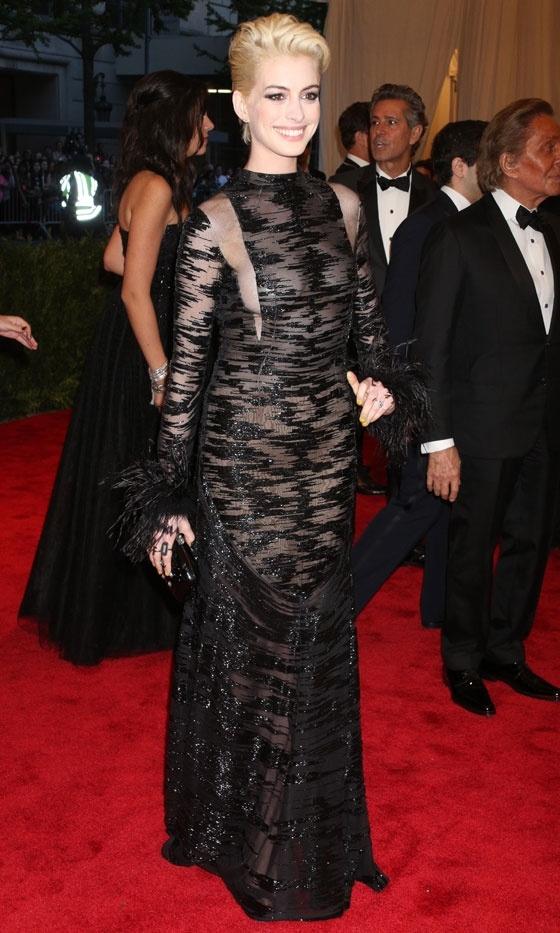 Anne Hathaway Met Ball 2013