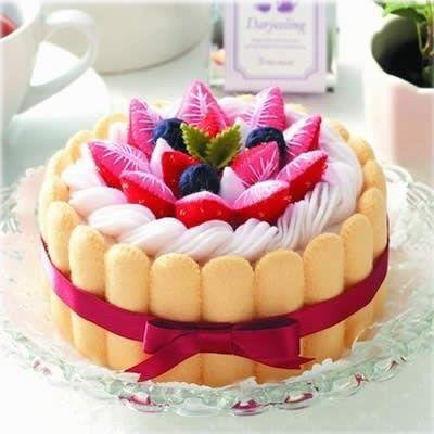 Hermosa torta en fieltro