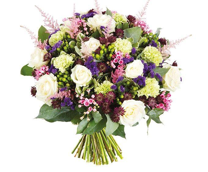 Bloemen van DEEN worden gratis thuis bezorgd, komen dagelijks vers van de veiling en worden met de hand gebonden door professionele bloemisten. Zeker 1 week vaasgarantie! Dit boeket bevat: •Roos wit •Anjer groen •Statice blauw •Bouvardia roze •Astrantia •Hypericum •Astilbe roze •Pittosporum •Eucalyptus