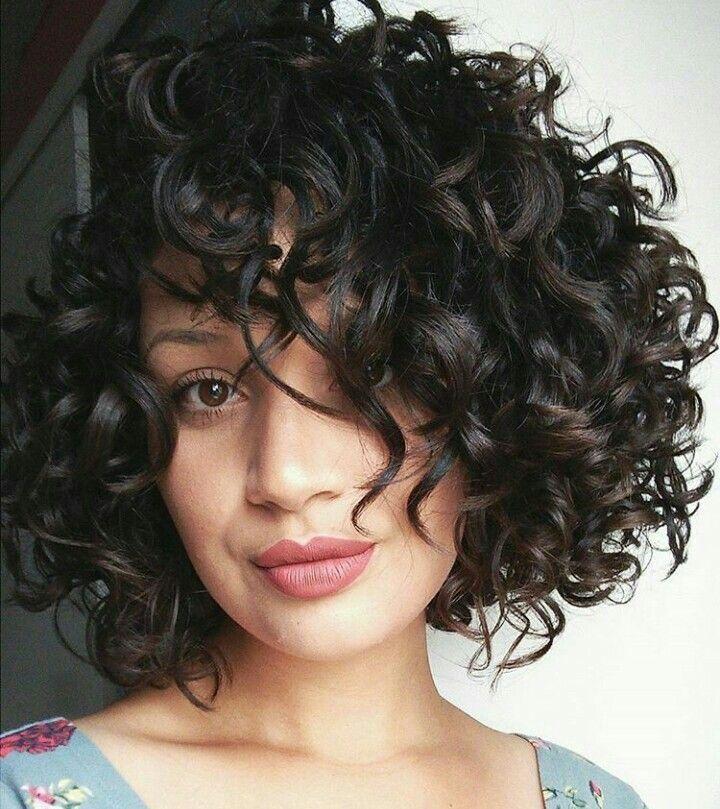 filaments ᘠ coupe coiffure cheveux court bouclés bruns brown black short haircut haar frisur portrait