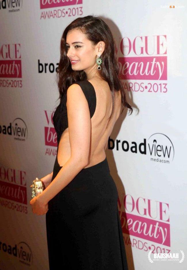 Bollywood stars sizzle at #Vogue #Beauty #Awards 2013 #EvelynSharma