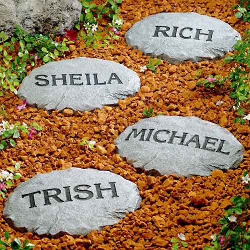 Decorate Garden Paths With Personalized Stepping Stones