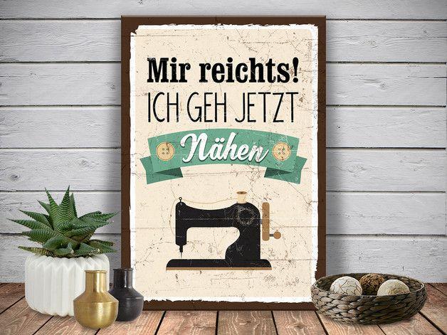 **Verschönere** dein Zuhause, oder verschenke **etwas ganz Besonderes**! Dieses liebevoll gestaltete Holzschild im **Vintage-Stil** ist ein wahrer **Hingucker**! Das Schild ist gefertigt aus 10...