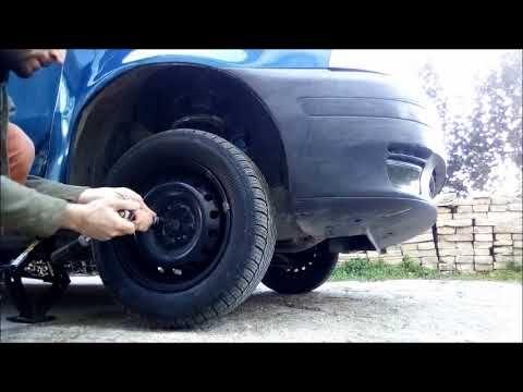 Sosuzione Pastiglie freni Fiat Punto Prima Serie | Meccanica ... on fiat stilo, fiat ritmo, fiat 500 turbo, fiat marea, fiat seicento, fiat linea, fiat coupe, fiat barchetta, fiat multipla, fiat bravo, fiat 500l, fiat cars, fiat cinquecento, fiat 500 abarth, fiat panda, fiat doblo, fiat x1/9, fiat spider,