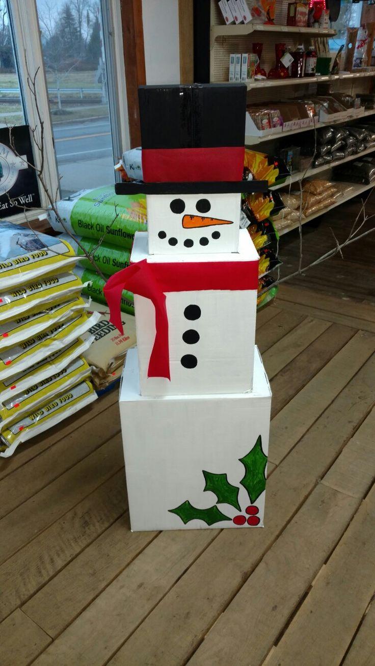 Christmas - cardboard box snowman