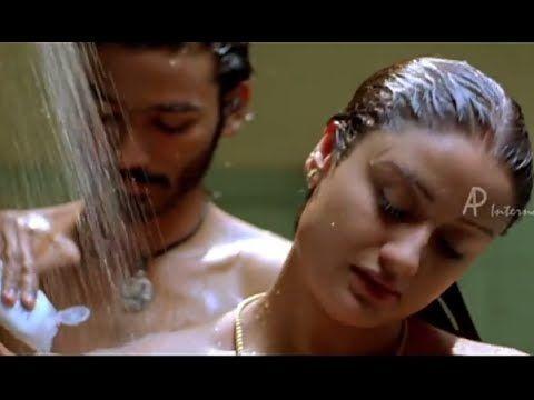 ఇదిగో చూడండి సోనియా అగర్వాల్  బాతింగ్ వీడియో లీక్డ్ http://telugulocalnews.com/gossips/sonia-agarwal-hot-bathing-video-scene-leaked/