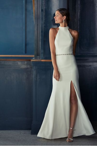 20 Perfect Wedding Dresses for the Minimalist Bride