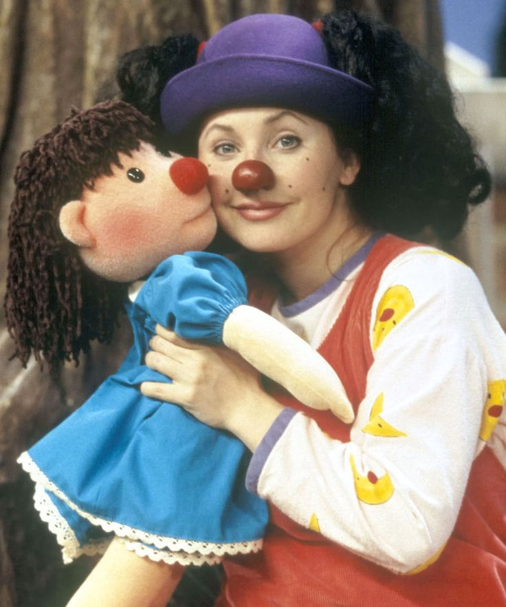 "Loonette The Clown The Big Comfy Couch Current Pictures | Actress Alyson Court, who played Loonette the Clown on 90s kid's show ""The Big Comfy Couch,"" is all grown-up and on Twitter. #refinery29 http://www.refinery29.com/2016/01/102253/loonette-the-clown-the-big-comfy-couch"