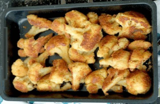 Nikdy by som nepovedala, že pečený karfiol môže chutiť lepšie, než vyprážaný: Stačí, keď ho obalíte v syrovo-cesnakovej zmesi! | - Part 2