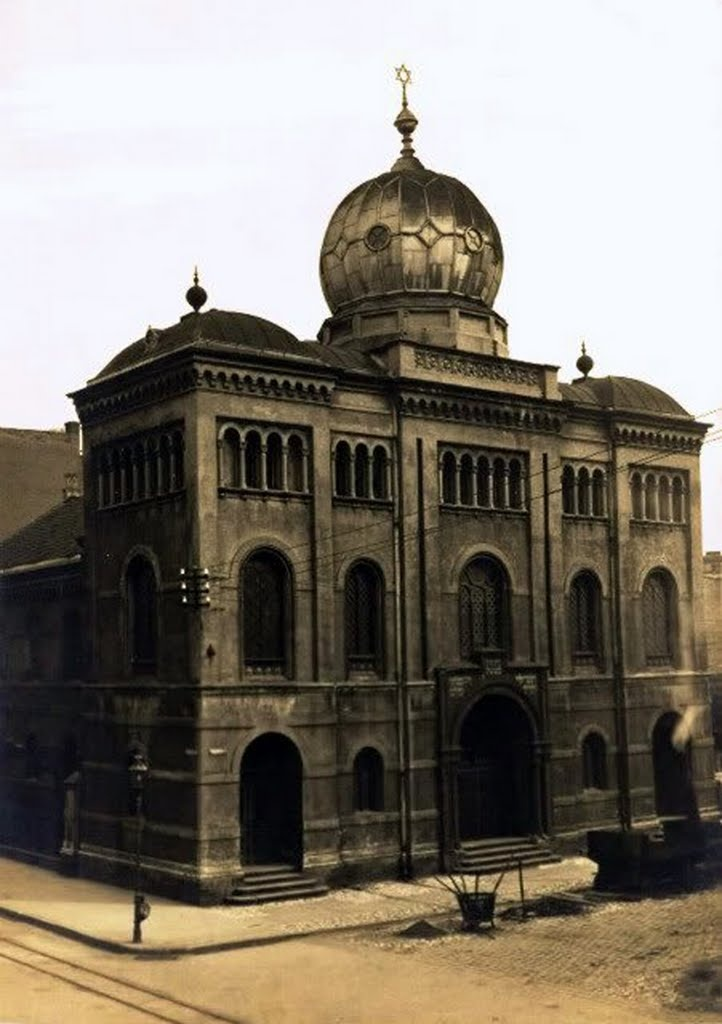 Katowice synagogue from Slowackiego Street.