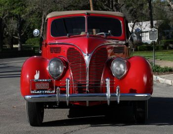 1938 Ford V8 Deluxe Convertible Coupe (81A-760A)