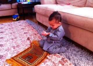 muslim praying kids
