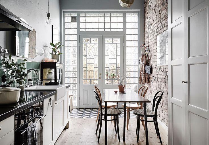 Svensk bolig | Hjem med højt til loftet og flotte detaljer | Boligmagasinet.dk